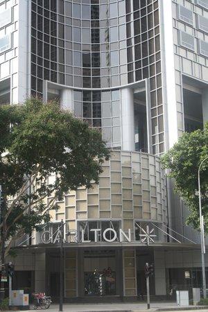 Carlton Hotel Singapore: View from City hall MRT