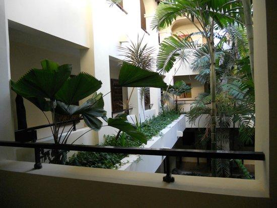 The Reserve at Paradisus Punta Cana : Parte interna do hotel, acesso às suítes