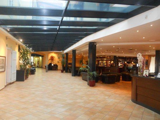 Hall foto de hotel roma prague praga tripadvisor for Hotel galileo prague tripadvisor