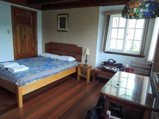 Casa Blanca Guesthouse: Vue de l'interieur, depuis la salle de bain