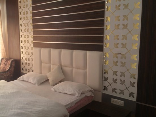 Rooms With Latest Interiors Picture Of Hotel Sun N Star Mussoorie Tripadvisor