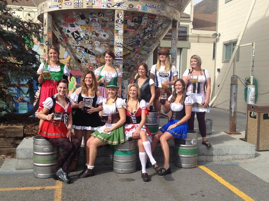 Snake River Brewing: The gals dressed for Oktoberfest!