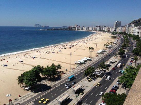 Arena Copacabana Hotel: Vista da cobertura do hotel (área da piscina)