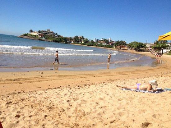 Guarapari, ES: Praia dos Namorados em Iriri
