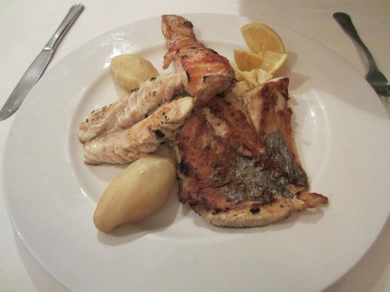 Borj Eddar: Trio of grilled fish