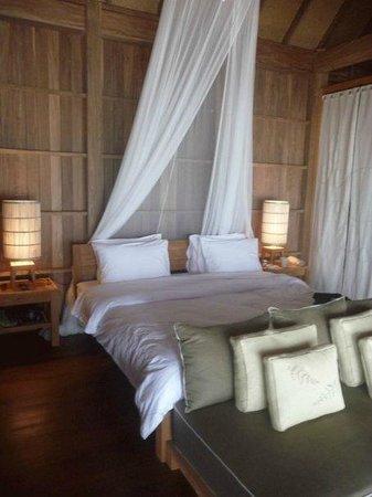 Haadtien Beach Resort : Inside-bed