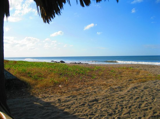 Hotel Villa Ordonez : Vista a la playa desde el rancho