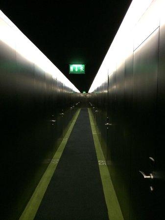 DoubleTree by Hilton Lisbon - Fontana Park : Corridor