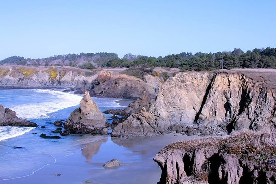 Mendocino, CA: View from one of the points into the cove