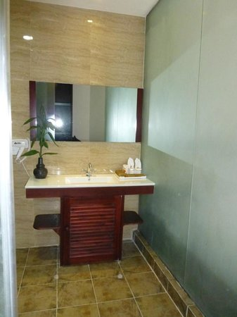 Xishuangbanna Hotel: bathroom 2
