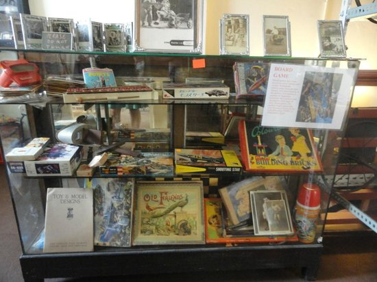 Ben's Vintage Toy Museum Penang: collection of board games