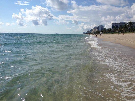 Praia no trecho da North Fort Lauderdale Boulevard