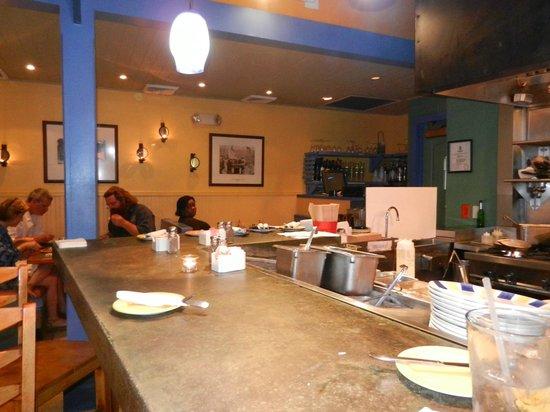 Cimboco : Eating at counter gives birds eye view of chef at work