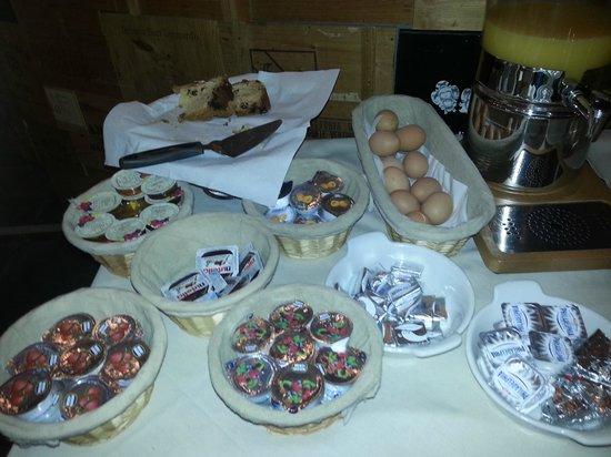 Hotel Locanda Salieri : Bufett desayuno