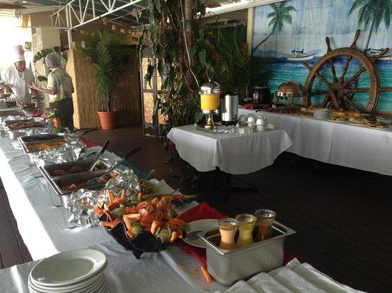 Mafolie Restaurant : Brunch Buffet layout