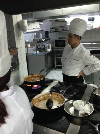 Sirkeci Mansion: Aula de culinária Turca fornecida pelo hotel