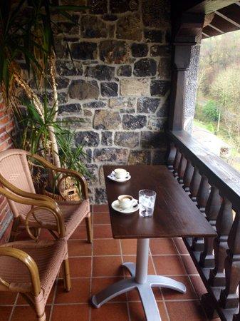 La Cepada Hotel: Cafetillo, cigarro y vistas de impresion