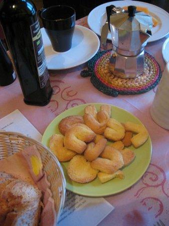 Albergo Ristorante Monte Piella: Daniella's cookies