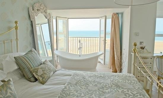 Watergate Bay Hotel: Our wonderful room :-)