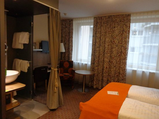 Boutique Hotel Stadthalle : Room