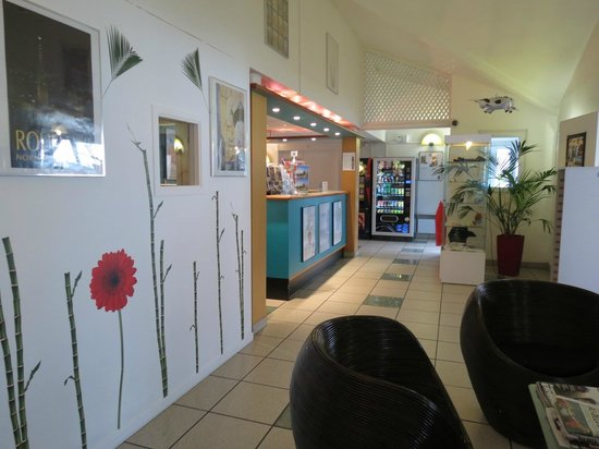 Ibis Budget Rouen Centre Rive Gauche : Salon & Accueil