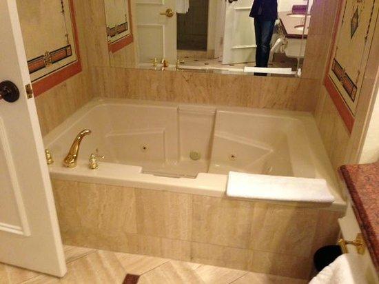Caesars Palace: Jetted Tub