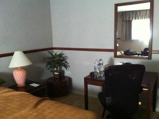 Travelodge Hotel LAX Los Angeles Intl : Quarto