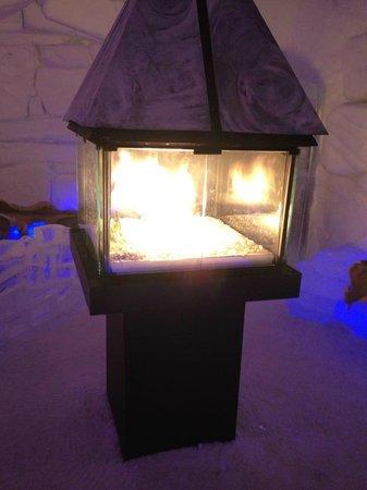 Hôtel de Glace : Fire Place