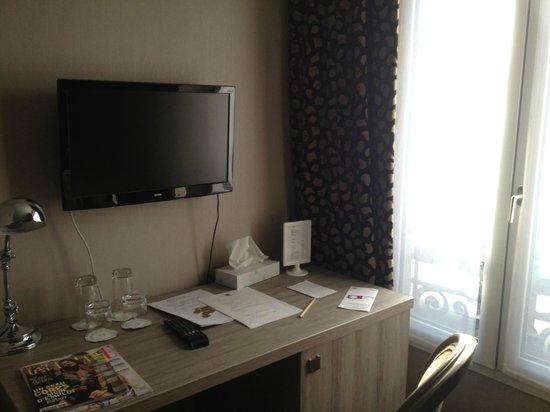 Hotel 29 Lepic: Modern decor.