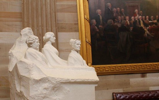 U.S. Capitol: history in art and sculpture