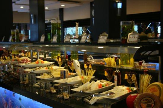 Limak Atlantis Deluxe Hotel & Resort: Buffet