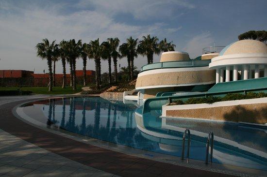 Limak Atlantis Deluxe Hotel & Resort: Poollandschaft