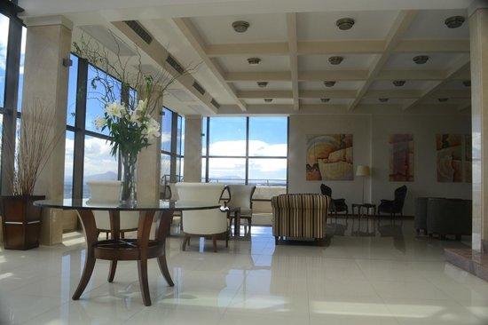 Alma del Lago Suites & Spa: Lobby