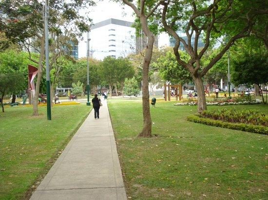 Dazzler Lima: Alrededor del Hotel muy seguro y acogedor
