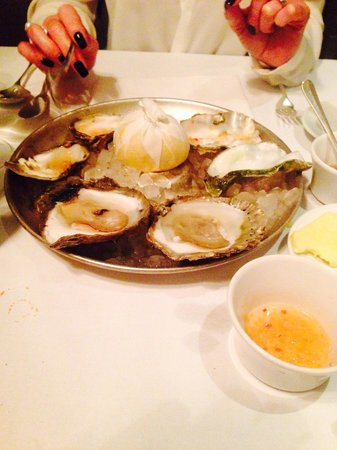 Bentley's Oyster Bar & Grill : Oysters are the future