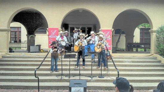 Fort Worth Stockyards National Historic District: Musicas típicas do Texas