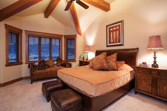 Stonewood Townhomes : Bedroom