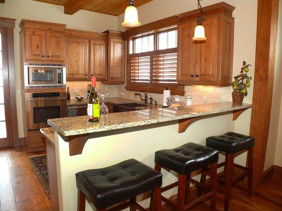 Stonewood Townhomes : Kitchen