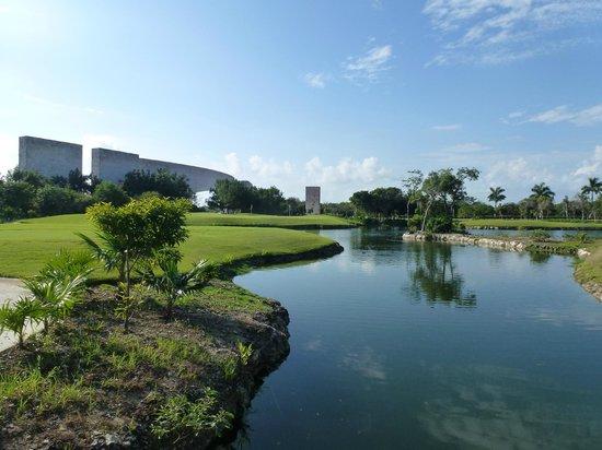 Luxury Bahia Principe Sian Ka'an Don Pablo Collection: Entrance seen from golfcourse