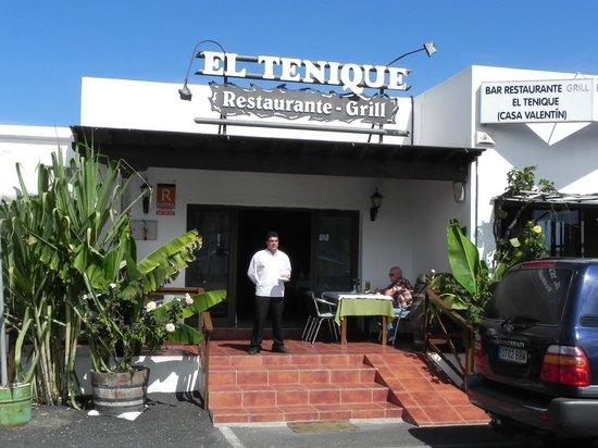 El Tenique: Wie immer der Empfang mit einem Weiswein und Käse!