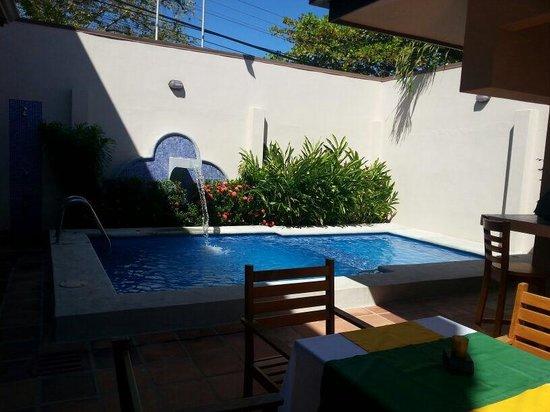 Hotel Praiamar: Pool.