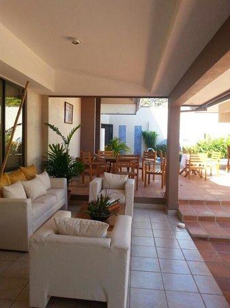 Hotel Praiamar : Relaxing area.