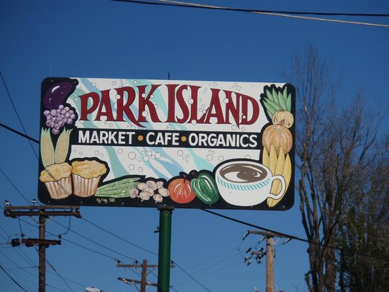 Park Island Market And Cafe: Sign