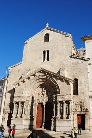 Église Saint-Trophime : Собор Святого Трофима в Арле