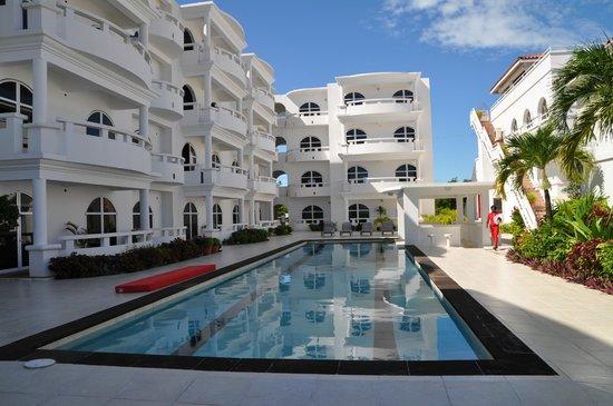 Sands Villas: Beautiful pool