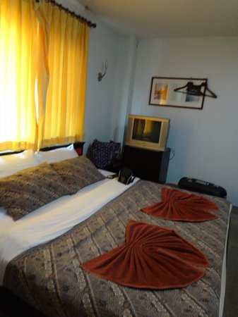 Andaman Legacy Guest House: Bedroom