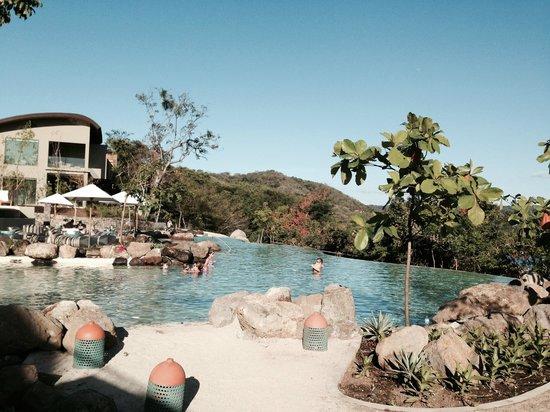 Andaz Peninsula Papagayo Resort: Pool area