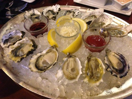 The Fairmont Olympic Seattle : Oyster Happy Hours at Shuckers