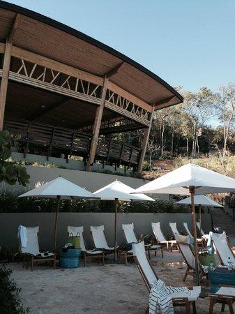 Andaz Peninsula Papagayo Resort: Rio Bongho Restaurant, view from the pool side