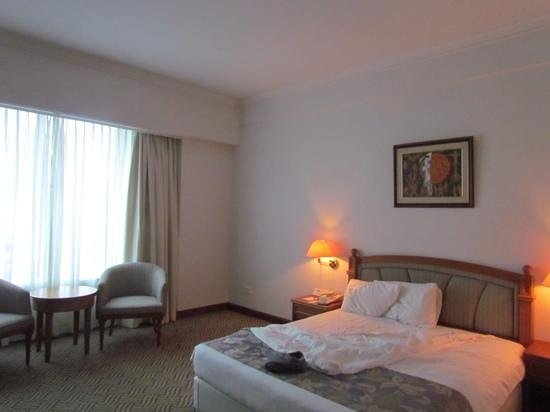 Orchard Grand Court: Large, spacious bedroom